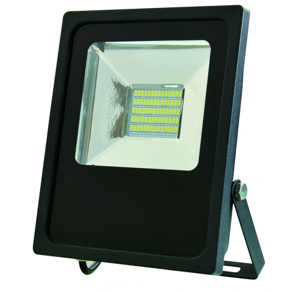 Proyector 30w 3000k Led Smd Quiron 2550lm 120º  18,5x22,5x5